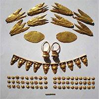 Kho báu vàng trong ngôi mộ 2.000 của công chúa Crimea