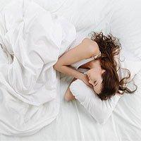 Khoa học chứng minh: Ngủ nghiêng có thể khiến bạn gắt gỏng hơn vào buổi sáng