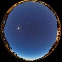 Khoảnh khắc tuyệt đẹp: Trạm ISS và Thiên Hà 1 cùng xuất hiện