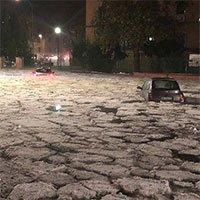 Kinh ngạc cảnh đường phố Ý hóa sông băng