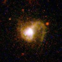 Kính viễn vọng quan sát ngôi sao sinh ba trong vũ trụ