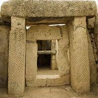 Kỳ bí hầm mộ
