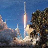 Lần đầu tiên SpaceX tiếp tế cho ISS bằng tàu vũ trụ và tên lửa tái sử dụng