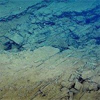 Mảng kiến tạodưới Ấn Độ Dương đang vỡ đôi