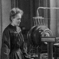 Marie Curie xây giấc mơ khoa học từ phòng thí nghiệm tồi tàn