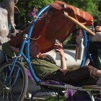 Mẫu xe đạp tiện dụng, tích hợp luôn cả bàn ghế và giường xếp