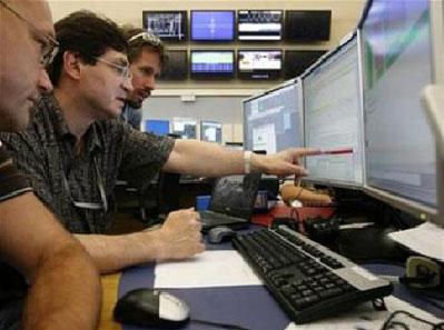 Máy gia tốc LHC lập kỷ lục mới