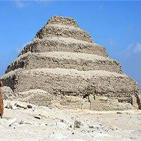 """""""Mê cung đường hầm"""" bí ẩn gần Kim tự tháp bậc thang nổi tiếng"""