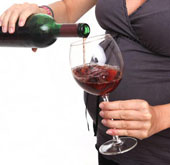 Mẹ uống rượu khi mang thai ảnh hưởng đến IQ của trẻ
