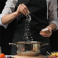 Mẹo ăn giảm muối người Việt nào cũng cần biết để không rước bệnh vào người