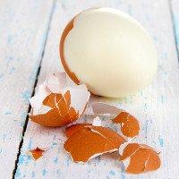 Mẹo bóc vỏ trứng luộc cực nhanh