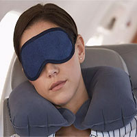 Mẹo giúp bạn ngủ ngon trên máy bay khi đi du lịch