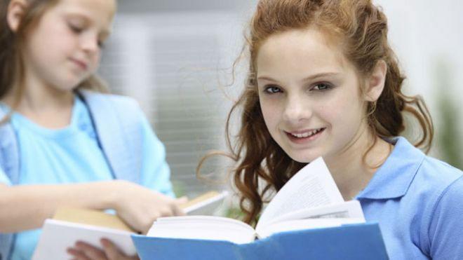 Muốn trẻ thông minh, hãy để nhiều sách trong nhà