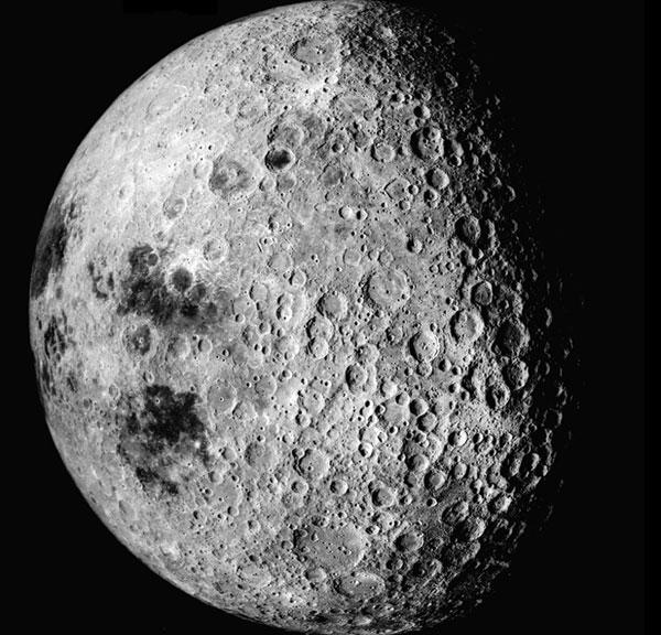 NASA sẽ đưa người lên Mặt trăng bằng tàu Nga