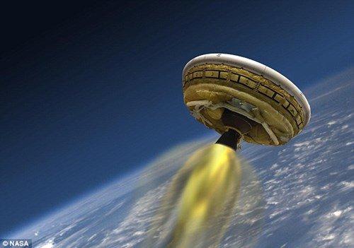 NASA thử nghiệm hạ cánh xuống sao Hỏa bằng