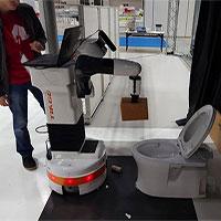 Ngại dơ vì lau chùi toilet, đừng lo vì đã có robot giúp bạn