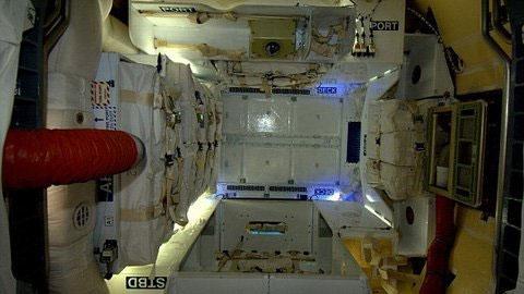 Ngắm nội thất tàu vũ trụ tư nhân Dragon