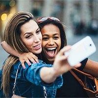 Nghiên cứu khẳng định: Phụ nữ càng chụp nhiều ảnh