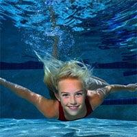Người bình thường có thể nhịn thở dưới nước được bao lâu?
