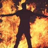 Người đột nhiên bốc cháy khiến y học không thể lý giải