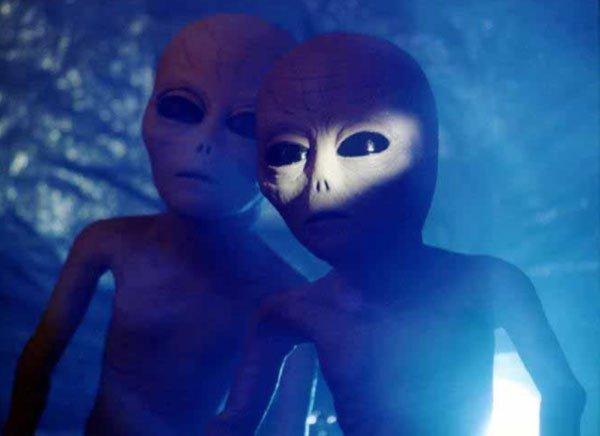 Người ngoài hành tinh tới trái đất nghỉ mát?