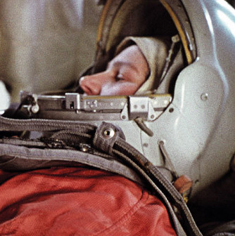 Người phụ nữ đầu tiên bay vào vũ trụ quên bàn chải đánh răng