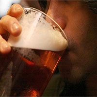 Người sống ở vùng lạnh có khả năng uống nhiều rượu hơn