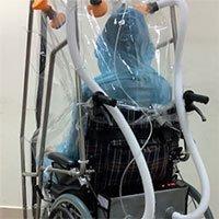 Nhà khoa học Việt thiết kế xe lăn áp lực âm cho bệnh nhân Covid-19