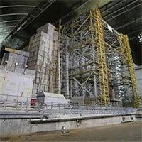 Nhà máy hạt nhân Chernobyl lại cháy âm ỉ và có thể phát nổ