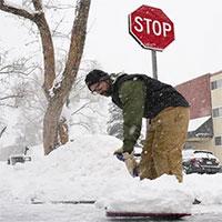 Nhiều bang Mỹ tê liệt vì bão tuyết kỷ lục