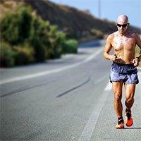Nhịn ăn trước khi chạy bộ là sai lầm