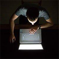Nhìn vào màn hình cả ngày ảnh hưởng gì đến não và cơ thể của bạn?