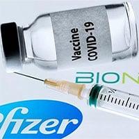 Những người nên và không nên tiêm vaccine Pfizer
