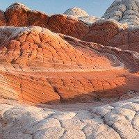 Những vẻ đẹp kỳ lạ trên sa mạc nước Mỹ