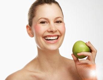 Những yếu tố quyết định độ trắng sáng của răng