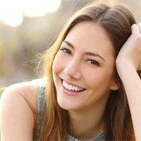 Nụ cười có khiến bạn đáng tin hơn?