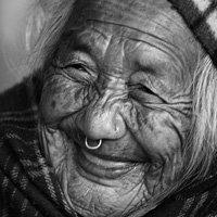Nụ cười tuổi xế già: