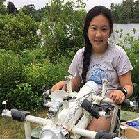 Nữ sinh lớp 6 phát minh robot
