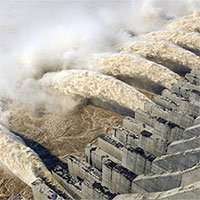 Nước lũ ở đập Tam Hiệp vượt cảnh báo 12m, ông Tập triệu tập họp khẩn