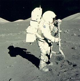 Nước trên mặt trăng có thể bắt nguồn từ Trái đất
