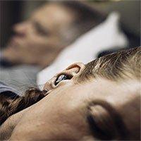 Nút tai giúp khử tiếng ngáy của người khác