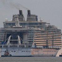 Ở bên siêu du thuyền lớn nhất thế giới này, tàu Titanic chỉ là một chú bé