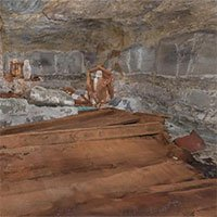 Phát hiện đường hầm lát gỗ bí mật xây từ thế kỷ 19