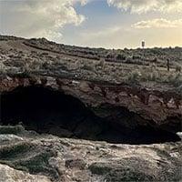 Phát hiện hố sụt lớn xuất hiện trên bờ biển đá vôi