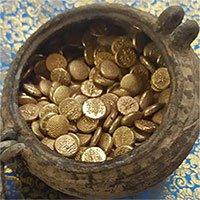 Phát hiện hũ tiền vàng bí mật chôn dưới ngôi đền cổ