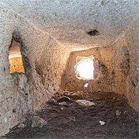 Phát hiệnloạt căn phòng 2.000 năm tuổi bí ẩn trên vách đá