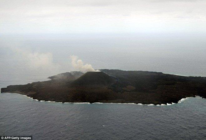 Phát hiện mới về hòn đảo núi lửa Nishinoshima ở Nhật Bản