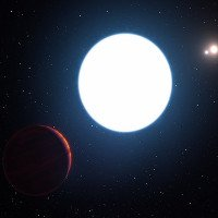 Phát hiện một hành tinh kỳ lạ quay quanh 3 ngôi sao