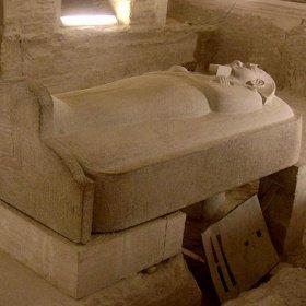 Phát hiện quan tài Ai Cập cổ đại khổng lồ