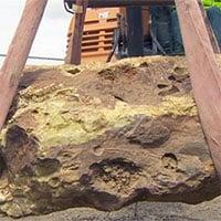 Phát hiện tảng đá núi lửa quý hiếm nặng hơn 900kg